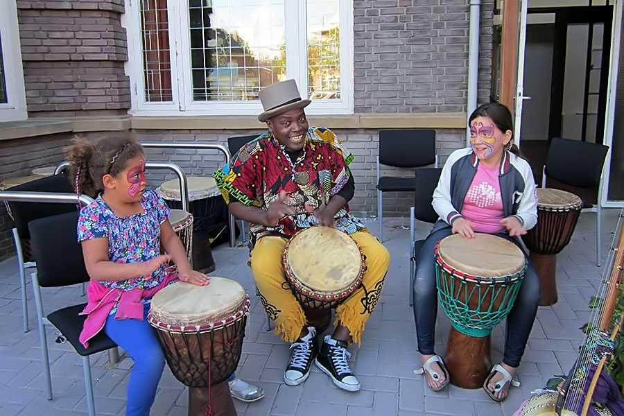 djembe workshops djembe workshop just for fun djembeles victor sams amsterdam rotterdam denhaag arnhem 2 - Djembé workshops Just for fun