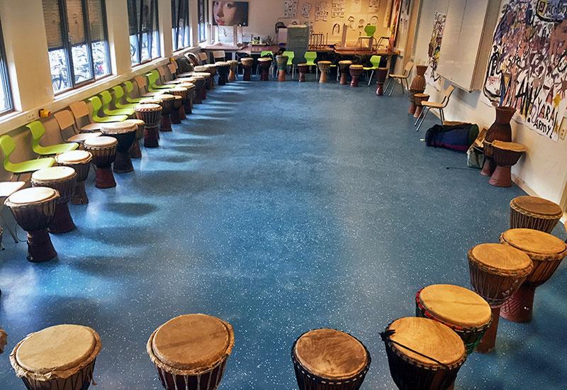 djembeworkshop djembe workshop amsterdam djembeles victor sams djembeworkshop school scholen - Djembé workshops voor scholen
